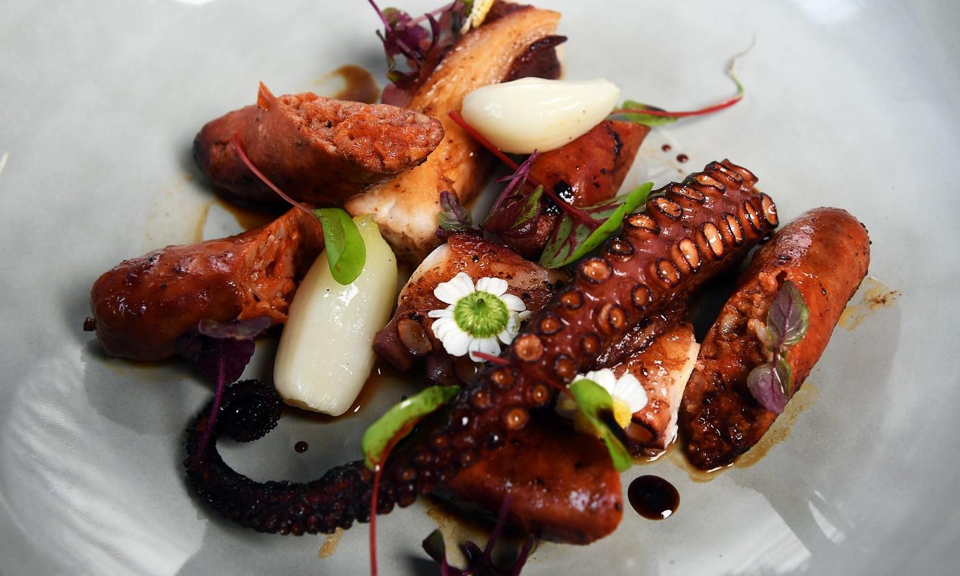 Plat Poulpe chorizo menu restaurant gastronomique lille